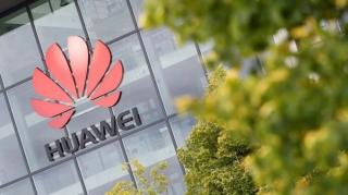 Samsung, LG ngừng bán tấm nền smartphone cho Huawei