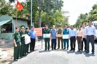 """Thêm một công trình """"Nước ngọt vùng biên"""" tặng quân–dân biên giới Tây Ninh"""