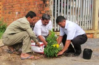 Hội Nông dân TP. Tây Ninh ra quân trồng cây nhớ Bác