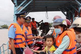 Tăng cường đảm bảo an toàn trong vận chuyển hành khách ngang sông