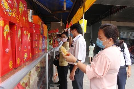 Ra quân kiểm tra ATTP dịp Tết trung thu tại huyện Tân Châu