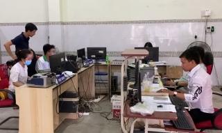 Cán bộ trẻ làm việc tại HTX khẳng định hiệu quả bước đầu