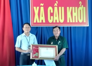 Chủ tịch UBND tỉnh tặng Bằng khen cho cựu chiến binh tiêu biểu tại xã Cầu Khởi