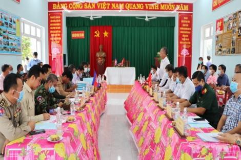 Hội đàm về công tác tổ chức lễ công bố khai trương cặp cửa khẩu quốc tế Tân Nam - Meun Chey