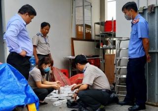 Bến Cầu: Tiêu huỷ thuốc lá nhập lậu