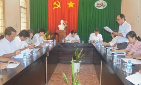 HĐND thị xã Hòa Thành: Khảo sát việc thực hiện duy tu, sửa chữa đường giao thông