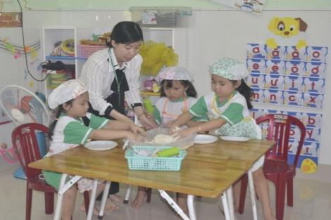 Chung tay giảm gánh nặng tiền trường đầu năm học
