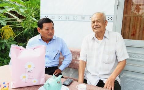 Ông Nguyễn Văn Hợp thăm nguyên lãnh đạo Ban Dân vận