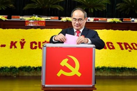 Đồng chí Nguyễn Thiện Nhân, Ủy viên Bộ Chính trị tiếp tục theo dõi chỉ đạo Đảng bộ TPHCM cho đến khi kết thúc Đại hội đại biểu toàn quốc lần thứ XIII của Đảng