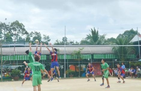 Hòa Thành tổ chức giải vô địch bóng chuyền năm 2020