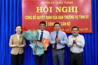 Trao quyết định bổ nhiệm Phó bí thư Huyện ủy Châu Thành.