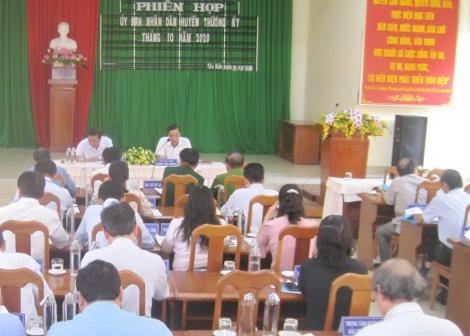 UBND các huyện Tân Biên, Gò Dầu: Họp phiên thường kỳ tháng 10.2020
