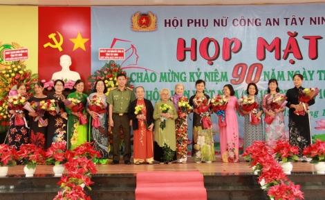 Họp mặt kỷ niệm 90 năm ngày thành lập Hội LHPN Việt Nam 20.10