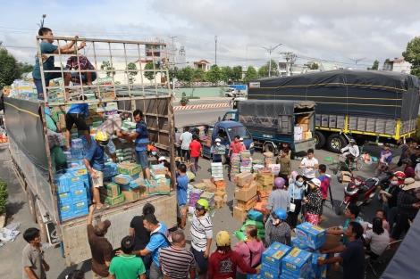 CLB Bác tài Tây Ninh tạm ngưng nhận hàng hoá cứu trợ đồng bào miền Trung