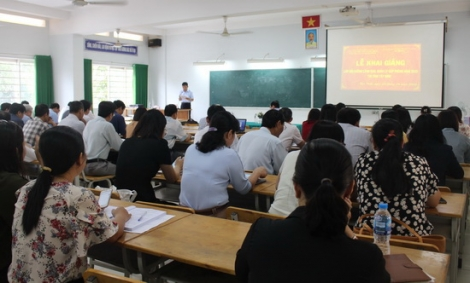 Khai giảng lớp bồi dưỡng lãnh đạo, quản lý cấp phòng