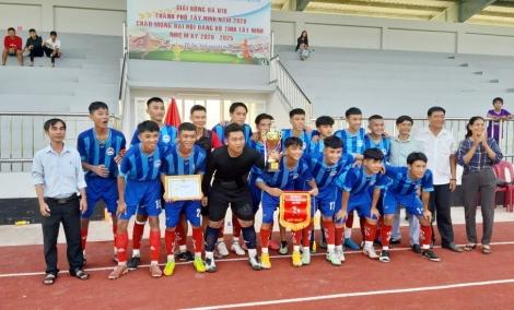 Bế mạc giải bóng đá U18 thành phố Tây Ninh năm 2020