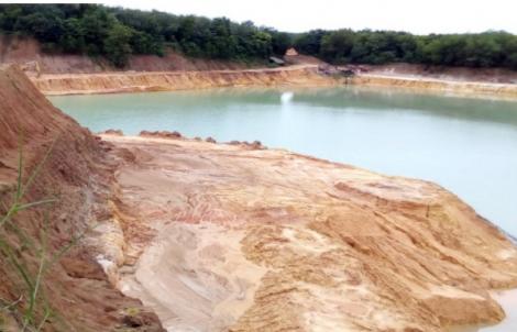 Tân Biên: Nam sinh tử vong do trượt chân xuống hầm khai thác đất