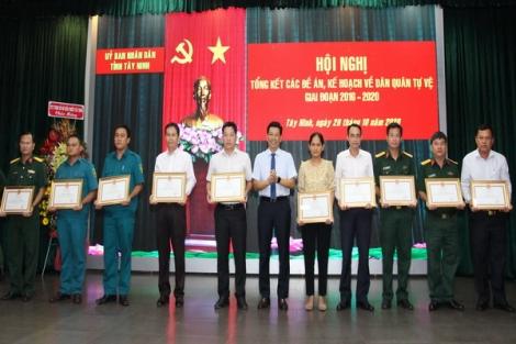 """Tây Ninh: Xây dựng lực lượng Dân quân tự vệ """"Vững mạnh, rộng khắp"""""""