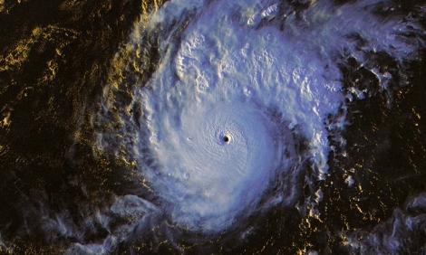 Siêu bão Goni đổ bộ Philippines