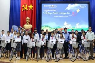 Bảo Việt Nhân thọ Tây Ninh trao học bổng cho học sinh nghèo