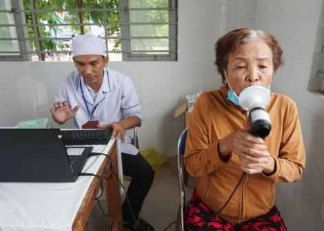 Bệnh viện Lao và Bệnh Phổi tỉnh sơ kết 9 tháng đầu năm