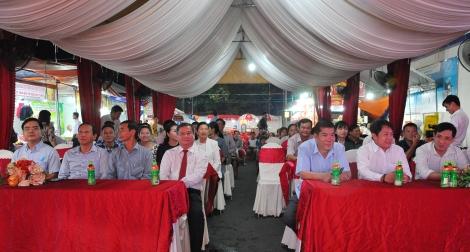 Khai mạc phiên chợ hàng Việt về biên giới tại huyện Châu Thành.