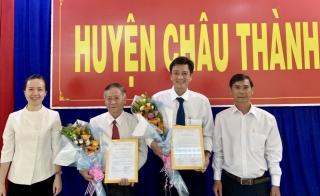Châu Thành trao quyết định chuẩn y lãnh đạo UBND, HĐND