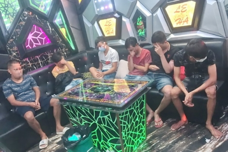 Công an thị trấn Gò Dầu: Phát hiện khách sử dụng ma túy trong quán Karaoke