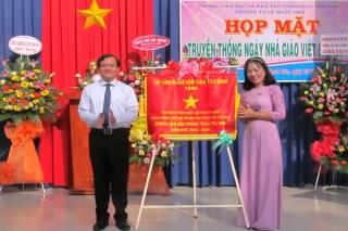 Bí thư Thành ủy Nguyễn Hồng Thanh dự lễ kỷ niệm ngày nhà giáo Việt Nam 20.11 tại trường Tiểu học Lê Ngọc Hân
