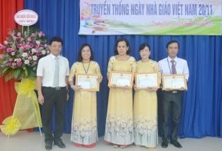 Trường Tiểu học Bùi Thị Xuân tổ chức kỷ niệm 38 năm ngày Nhà giáo Việt Nam