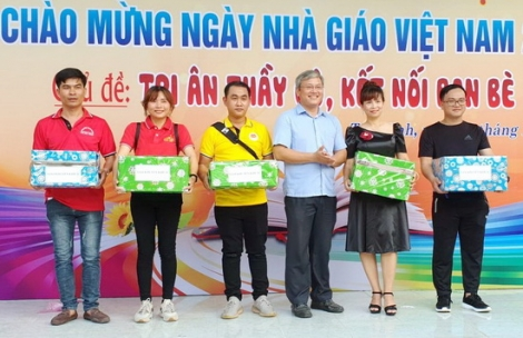 Trường Chính trị tỉnh: Tổ chức hội thao–ẩm thực chào mừng ngày Nhà giáo Việt Nam 20.11