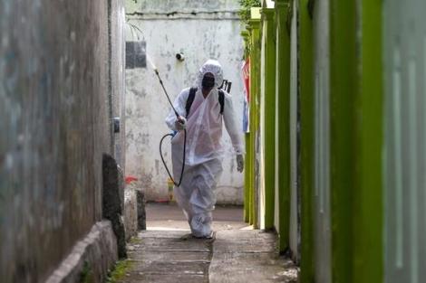 COVID-19 tại ASEAN: Các nước đặt mua vaccine; Malaysia vượt Singapore về ca bệnh
