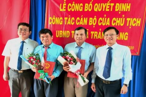 Trảng Bàng: Trao quyết định phê chuẩn lãnh đạo chủ chốt xã Phước Bình và Phước Chỉ