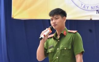 Trường THPT Trần Đại Nghĩa tuyên truyền phòng, chống ma túy cho học sinh