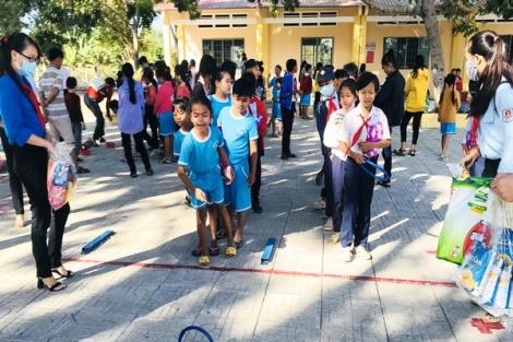 Châu Thành: Tổ chức chương trình khăn hồng tình nguyện đợt 2 năm 2020