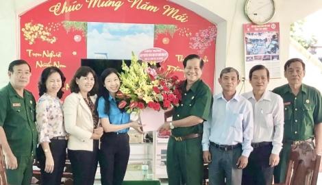 Khối thi đua Mặt trận Tổ quốc và các đoàn thể tỉnh chúc mừng Ngày truyền thống Hội Cựu chiến binh Việt Nam