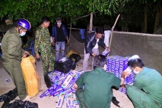 Đồn Biên phòng Vàm Trảng Trâu phối hợp với Công an huyện Châu Thành bắt vụ buôn lậu thuốc lá ngoại qua biên giới