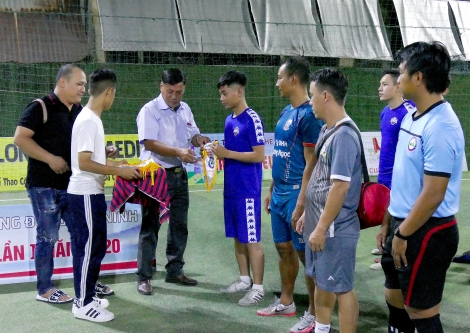 Đội bóng trẻ Tân Biên gây bất ngờ