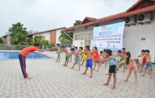 Tân Châu: Khai giảng lớp bơi miễn phí cho thiếu nhi