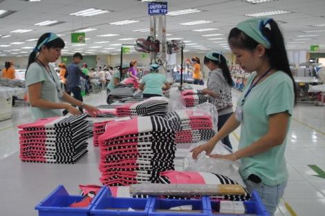 Nâng cao mức sống, cải thiện điều kiện làm việc cho công nhân lao động