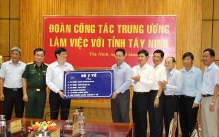 Đoàn công tác Trung ương làm việc với lãnh đạo tỉnh về công tác y tế và phòng, chống dịch Covid-19