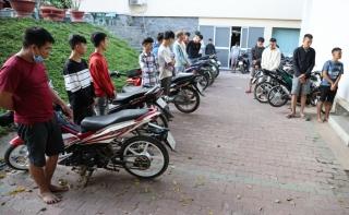 Bắt quả tang nhóm thanh niên tụ tập đua xe và cổ vũ đua xe trái phép
