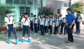 """Hội Đồng đội Thành phố Tây Ninh tổ chức chương trình """"Khăn hồng tình nguyện"""""""