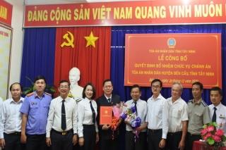 Ông Nguyễn Hoàng Mai giữ chức vụ Chánh án Tòa án nhân dân huyện Bến Cầu