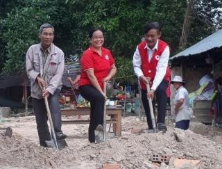 Châu Thành: Xây nhà Chữ thập đỏ tặng gia đình nghèo