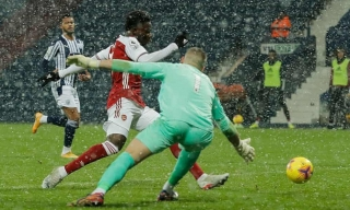Arsenal thắng 4-0 ở Ngoại hạng Anh