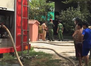 Lực lượng Cảnh sát giao thông tích cực hỗ trợ dập tắt một vụ cháy