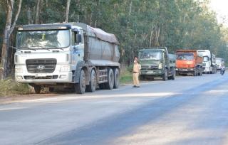 Công an Tân Châu: Xử lý xe ô tô tải vi phạm chở hàng hóa vượt quá trọng tải thiết kế