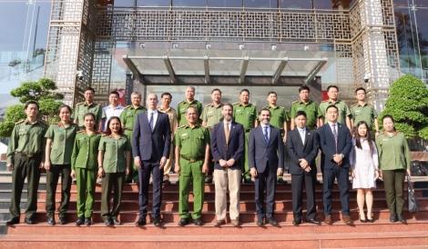 Đoàn công tác Đại sứ quán Hoa Kỳ làm việc với Công an Tây Ninh