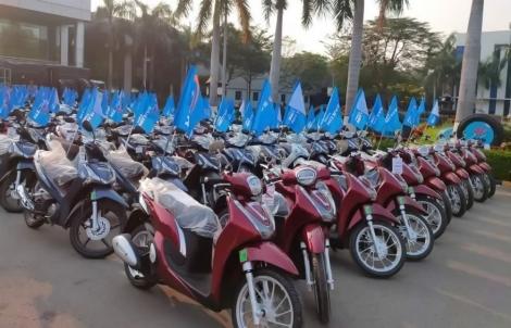 Thưởng tết 200 chiếc xe máy cho công nhân xuất sắc
